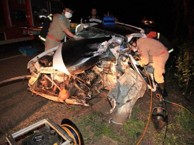 Homem morre no hospital após acidente entre carro e carreta na BR 163 em MS (Foto: PC de Souza/Edição de Notícias)