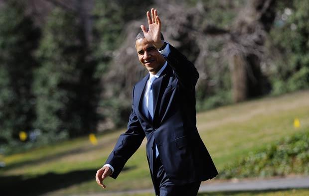 O presidente dos EUA, Barack Obama, nos jardins da Casa Branca nesta quarta-feira (7) (Foto: AP)