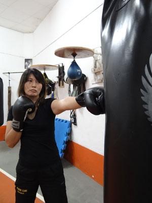 Professora de boxe diz que nunca sofreu preconceito na profissão (Foto: Luna Markman/G1)