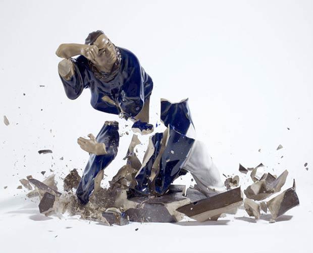 Fotógrafo mostra 'beleza' em destruição de estátuas de porcelana (Foto: Martin Klimas)