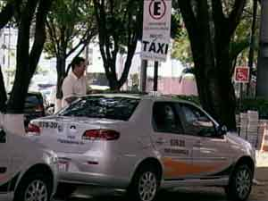 Taxis em Divinpolis'