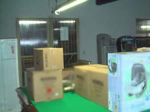 Mercadorias furtadas foram encontradas dentro de um bar em Caxias do Sul (Foto: Divulgação/CRPO Serra)