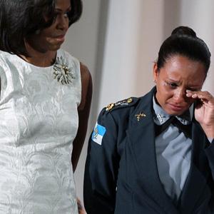 EUA homenageiam 1ª mulher a comandar uma UPP no Rio (AFP)