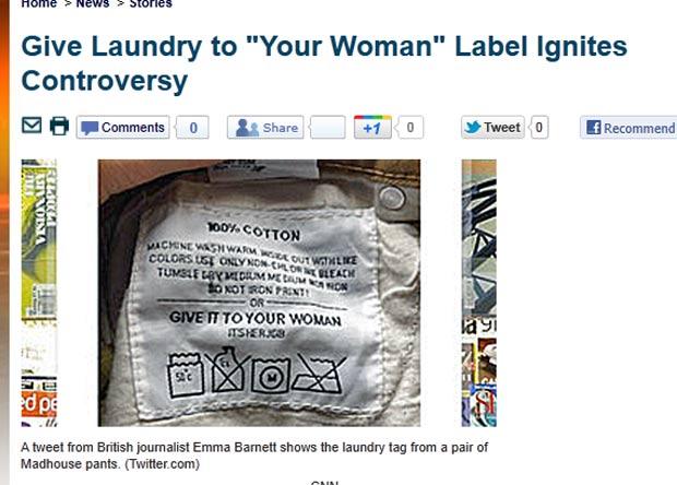 'Entregue para sua mulher. Esse é seu trabalho', diz etiqueta de calça. (Foto: Reprodução/KTLA)