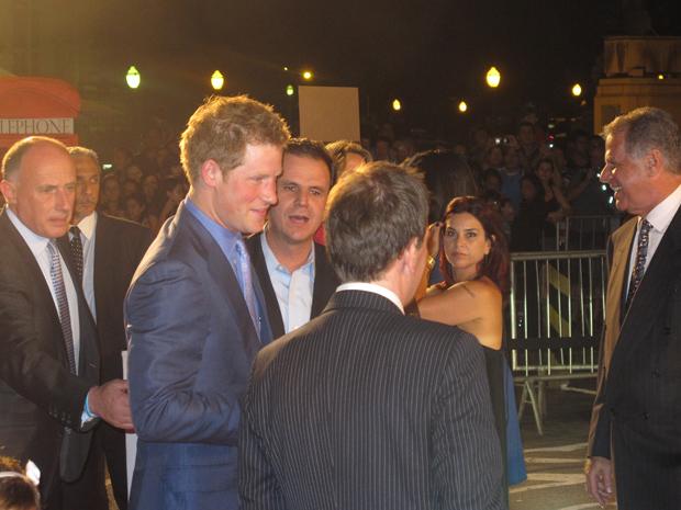 Harry chegou ao local às 21h06 para a festa de lançamento da campanha GREAT (Foto: Carolina Lauriano / G1)