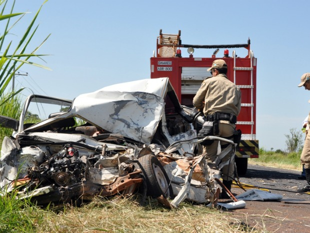 Três pessoas morrem em acidente em Anaurilândia (Foto: Almir Portela/NovaNews)