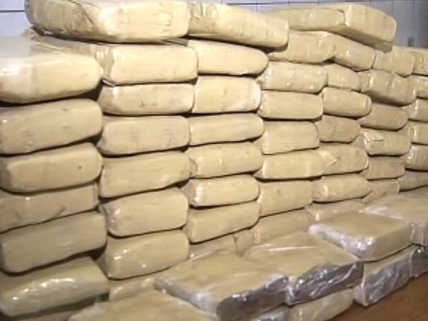 Quase 100 kg da droga foram apreendidos (Foto: Reprodução/TV TEM)