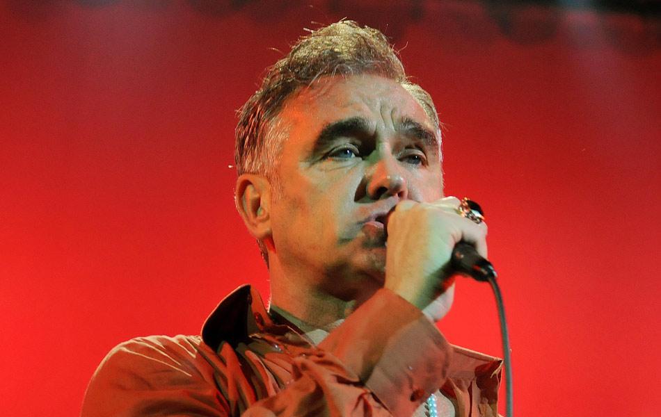 Morrissey dirigiu-se pouco ao público, mas arriscou algumas palavras em português, como 'E aí, galera!'