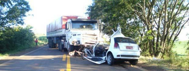 Três pessoas morreram após colisão na RS-324 (Foto: Divulgação/Batalhão Rodoviário da Brigada Militar de Nonoai)