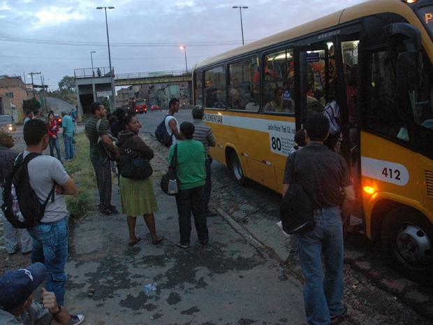 Passageiros são prejudicados por causa da greve de ônibus em Belo Horizonte. (Foto: Charles Silva Duarte/O Tempo/AE)