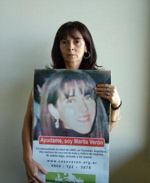 Susana Trimarco com foto da filha Marita (Foto: Arquivo pessoal)