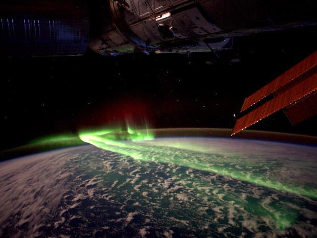Aurora austral fotografada da ISS em 10 de março de 2012 (Foto: Reuters/Andre Kuipers/ESA/Nasa/Divulgação)