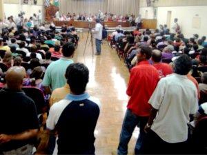 População lota Câmara de Vereadores em Piracicaba, SP (Foto: Nikolas Capp / G1)