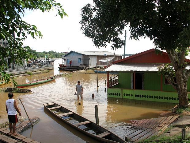 Enchente que atingiu Lábrea, município do interior do Amazonas (Foto: Edmar Barros)