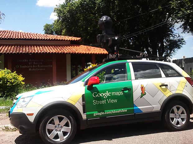 Carro do Google Street View foi flagrado em Cuiabá (Foto: Sérgio Thompson / Arquivo Pessoal )