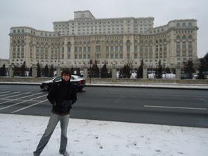 João na Romênia onde conquistou prêmio inédito para o Brasil (Foto: Arquivo pessoal)