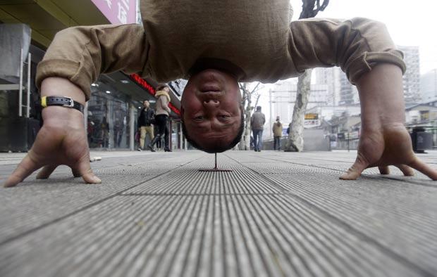 Xu Tiancheng pratica há mais de cinco anos 'Qi Gong'. (Foto: Reuters)
