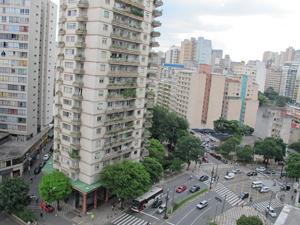 Trânsito em frente  à Câmara Municipal de SP, na Bela Vista, região central da cidade (Foto: Roney Domingos/ G1)