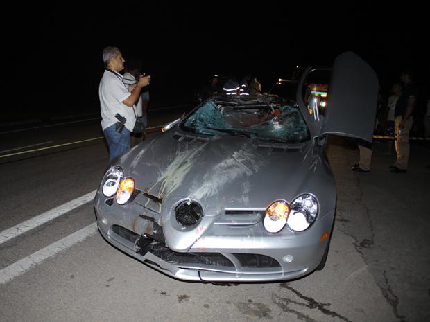 Imagem do acidente com o carro de Thor Batista (Foto: Nicson Olivier/Divulgação)