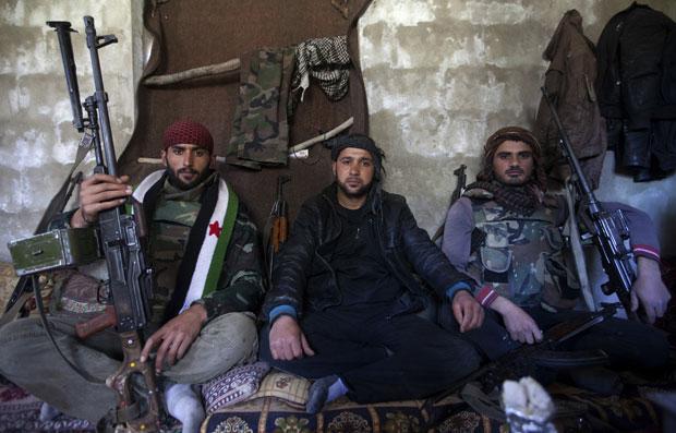 Em 5 anos, venda de armas para a Síria aumenta quase 600%, diz estudo