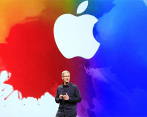 Tim Cook assumiu o comando da Apple no lugar de Steve Jobs (Foto: Jeff Chiu/AP)