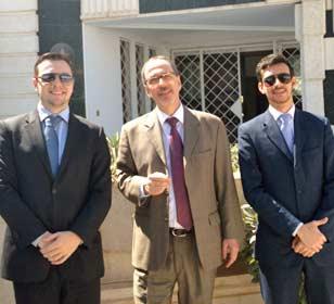 O embaixador Ánuar Nahes ao lado dos secretários Eduardo Sfoglia (esq.) e Pablo Romero (dir.) (Foto: Ánuar Nahes/Arquivo Pessoal)