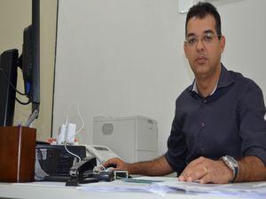 Delegado detalha algumas informações sobre operação (Foto: Flávio Antunes/G1 SE)