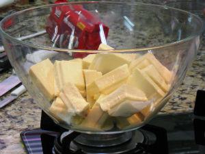 Preparação do chocolate (Foto: Samuel Nunes/G1 PR)