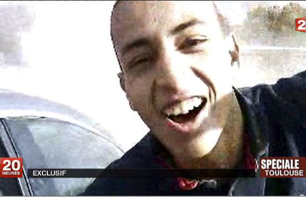 Imagem liberada pela rede de TV France 2 mostra rosto do suposto atirador de Toulouse (Foto: AP/France 2)