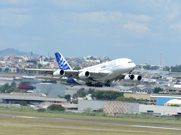 A-380 decola do Aeroporto Internacional de Cumbica, em Guarulhos, e pousou na tarde desta quinta-feira (22) no Rio de Janeiro (Foto: Divulgação/Airbus)