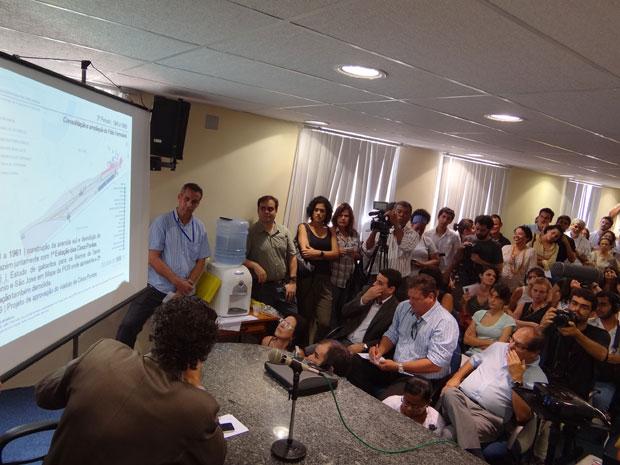 Plenarinho da Câmara do Recife ficou lotado para a audiência (Foto: Luna Markman/ G1)