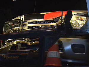 Um dos carros da Polícia Militar acidentado na BR-230 (Foto: Reprodução/TV Paraíba)