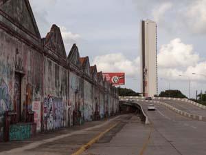 Projeto prevê a recuperação do conjunto de galpões próximos ao Viaduto das Cinco Pontas (Foto: Luna Markman/ G1)