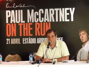 Luiz Oscar Niemeyer, da PlanMusic, na coletiva sobre o show de Paul McCartney (Foto: Katherine Coutinho / G1 PE)