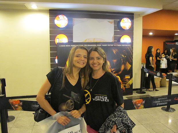 Criadoras do site jogosvorazes.net estiveram na primeira sessão de pré-estreia de 'Jogos vorazes' em São Paulo (Foto: Cauê Muraro/G1)