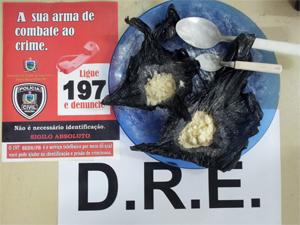 Rapaz é suspeito de vender cocaína no Valentina (Foto: Divulgação/DRE)