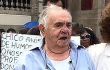 Irmão de Chico Anysio, Elano de Paula passou pelo velório do humorista (Foto: G1)