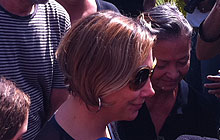 Heloisa Périssé no funeral de Chico Anysio (220 x 140) (Foto: G1)