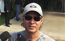 Nelson de Freitas no funeral de Chico Anysio (220 x 140) (Foto: Janaína Carvalho/G1)