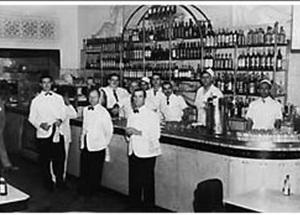 Foto da época da criação do bauru, no bar na capital (Foto: Reprodução)