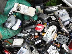 A coleta do chamado lixo tóxico é realizada nos Terminais de ônibus da cidade (Foto: Divulgação/ Prefeitura de Curitiba)