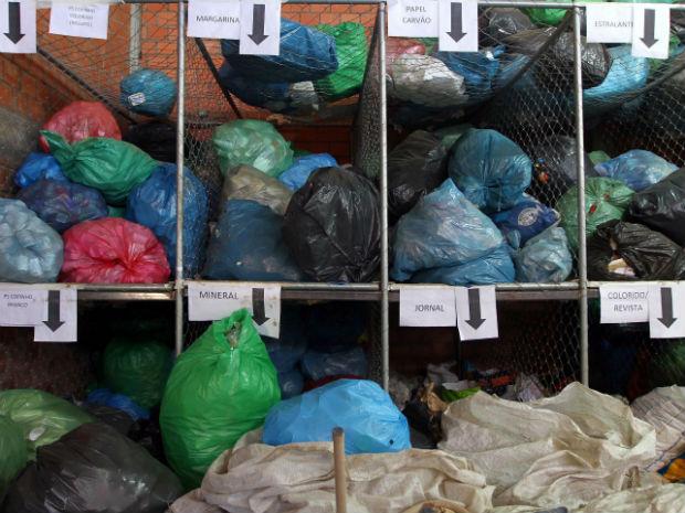 Para professora da UFPR as políticas públicas adotadas para a destinação do lixo estão corretas e devem permanecer como exemplo (Foto: Divulgação/ Prefeitura de Curitiba)