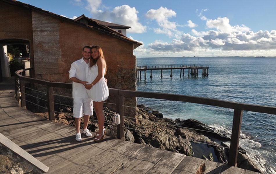 Aline Lopes e o marido Elder no Solar do Unhão que fica na Avenida Contorno. Ela conta que estava muito feliz nesse dia, a espera da primeira filha do casal, Maria Luíza.