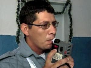 bafômetro (Foto: Reprodução/TV Verdes Mares)