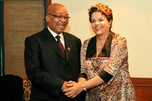 Dilma em encontro com o presidente da África do Sul, Jacob Zuma (Foto: Roberto Stuckert Filho / Presidência)