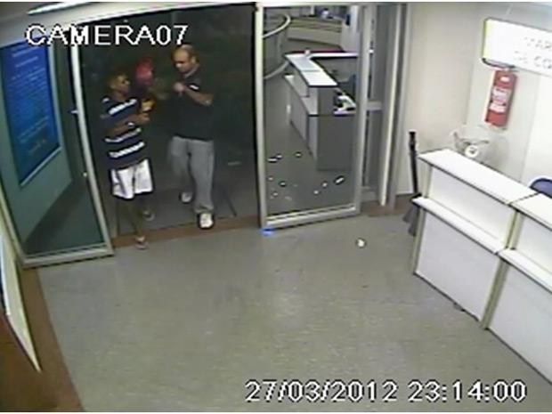 Polícia Civil divulgou imagens de suspeitos de matar PM em hospital particular no Engenho de Dentro (Foto: Divulgação/ Polícia Civil)