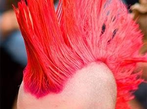 Homem atirou em mulher após confundir cabelo moicano com pássaro. (Foto: Foto ilustrativa)