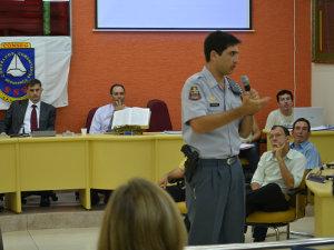 Reunião do Conselho de Segurança de Américo Brasiliense (Foto: Manoela Marques/G1)