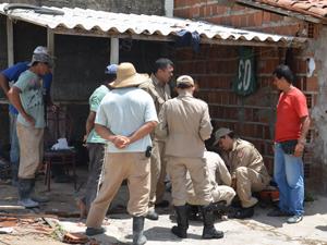 Placa de mármore fere trabalhadores na Paraíba (Foto: Walter Paparazzo/G1)