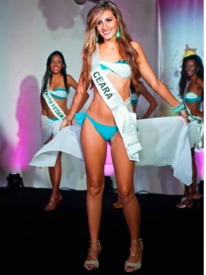 A cearense participou de outros concursos locais e sonha em participar do 'Miss Universo' (Foto: Julio Caesar/ Miss Surda Brasil)